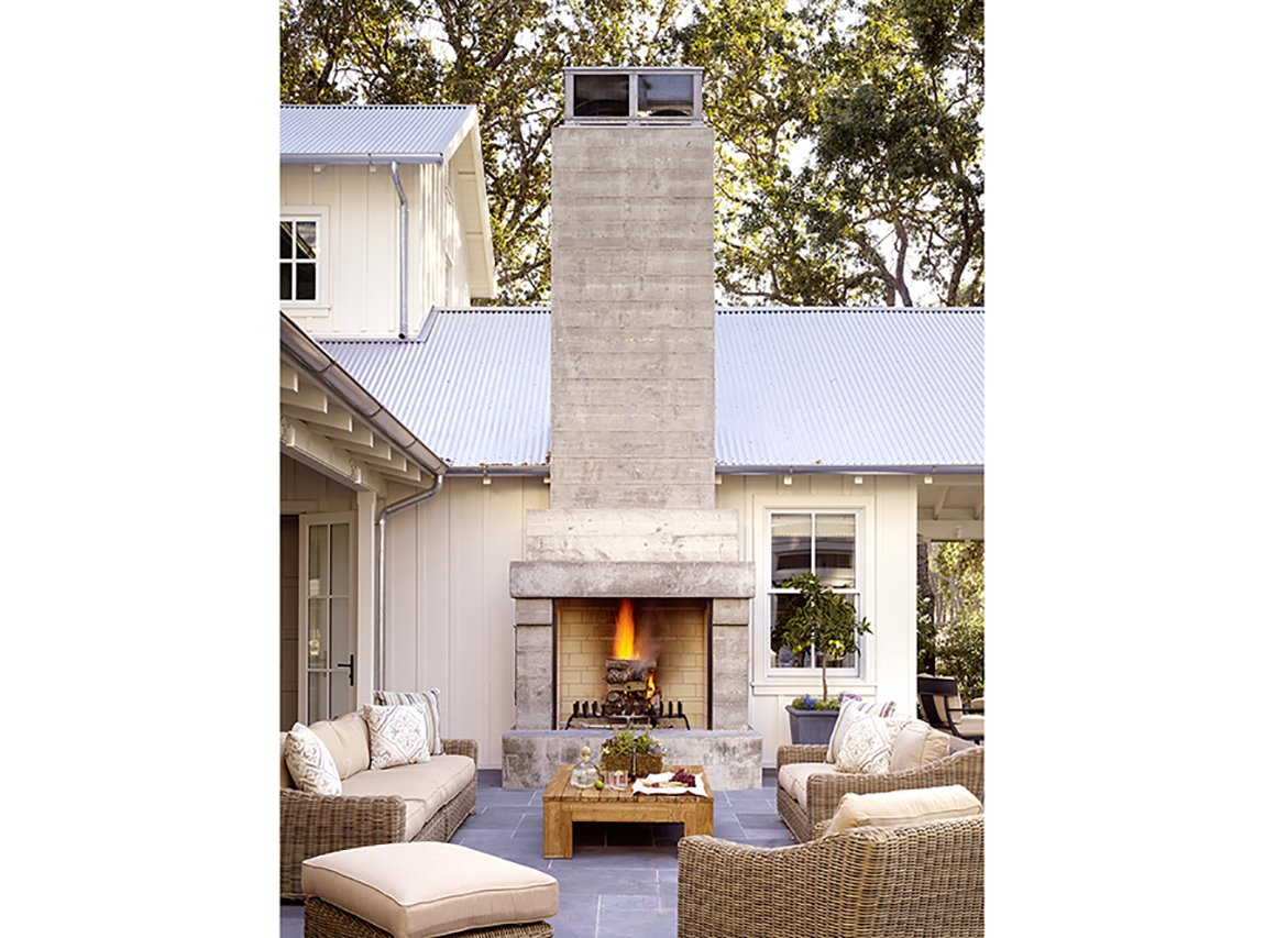 napa-farmhouse-exterior-firplace